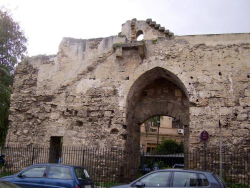 Sicile tourisme guide jean paul - Porte a palermo ...